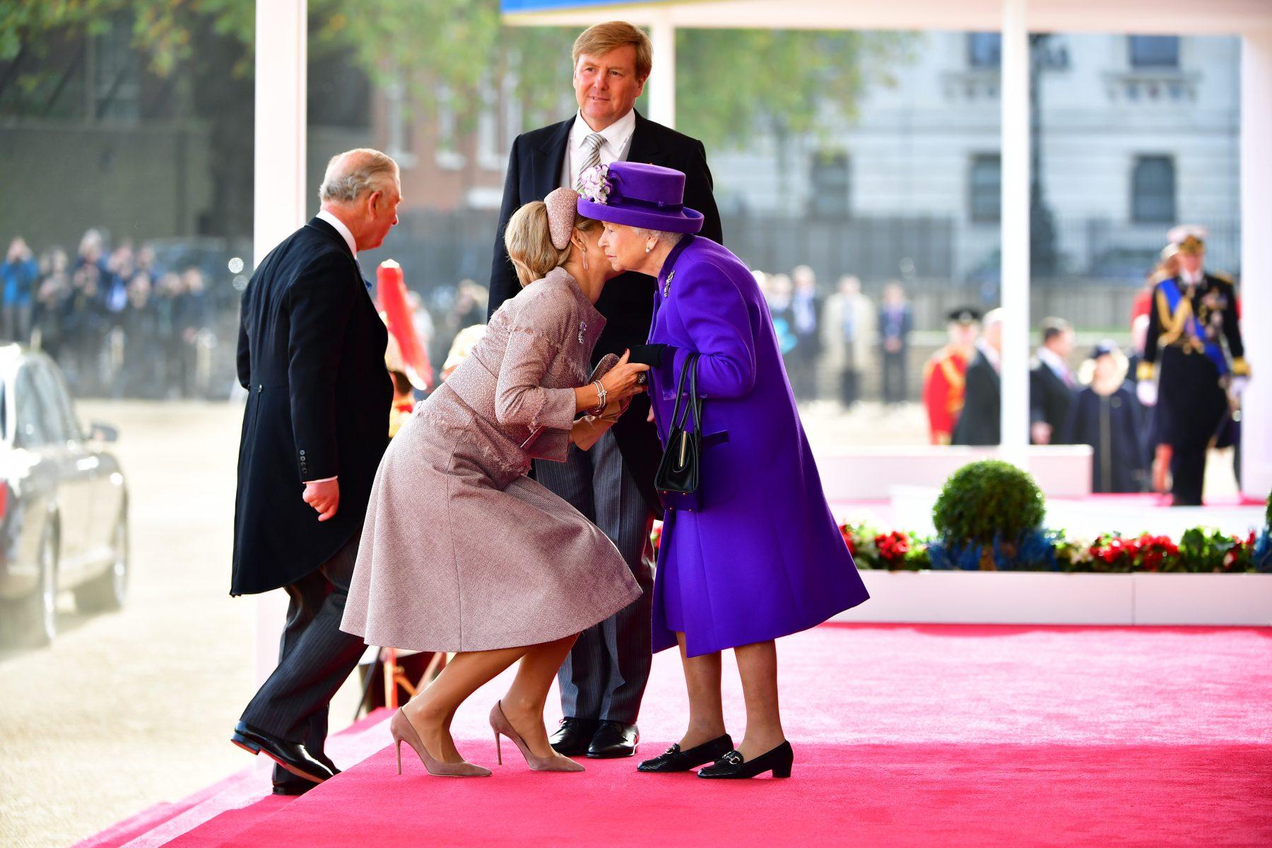 Willem-Alexander en Máxima ontmoeten Britse royals en zo ziet dat eruit