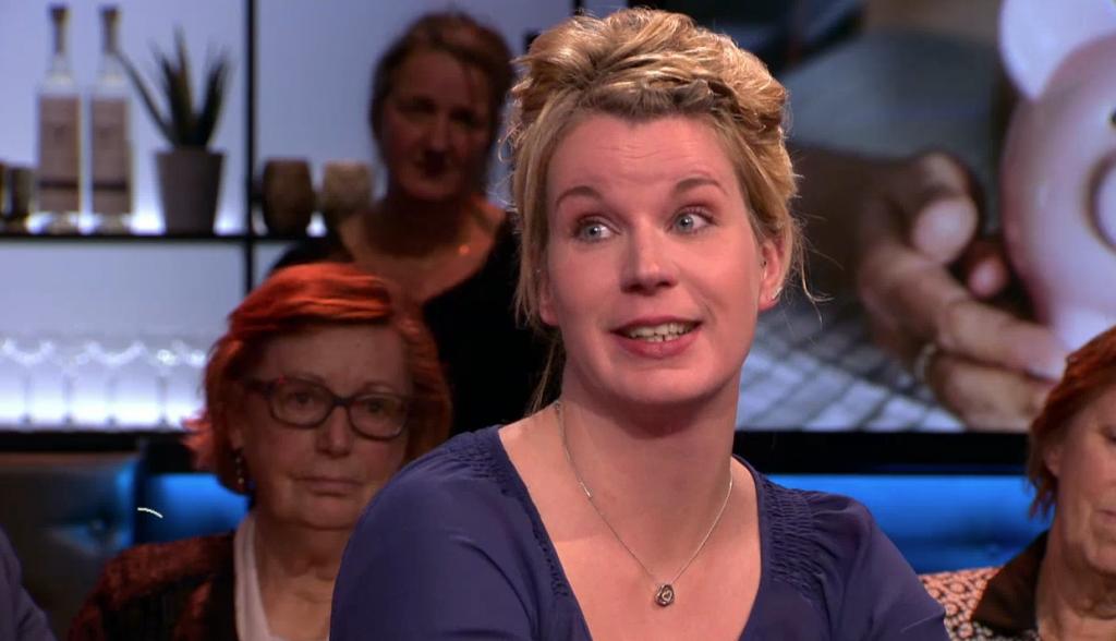 Een baan en toch arm: Martine overspoeld met reacties na moedig optreden in 'Pauw'