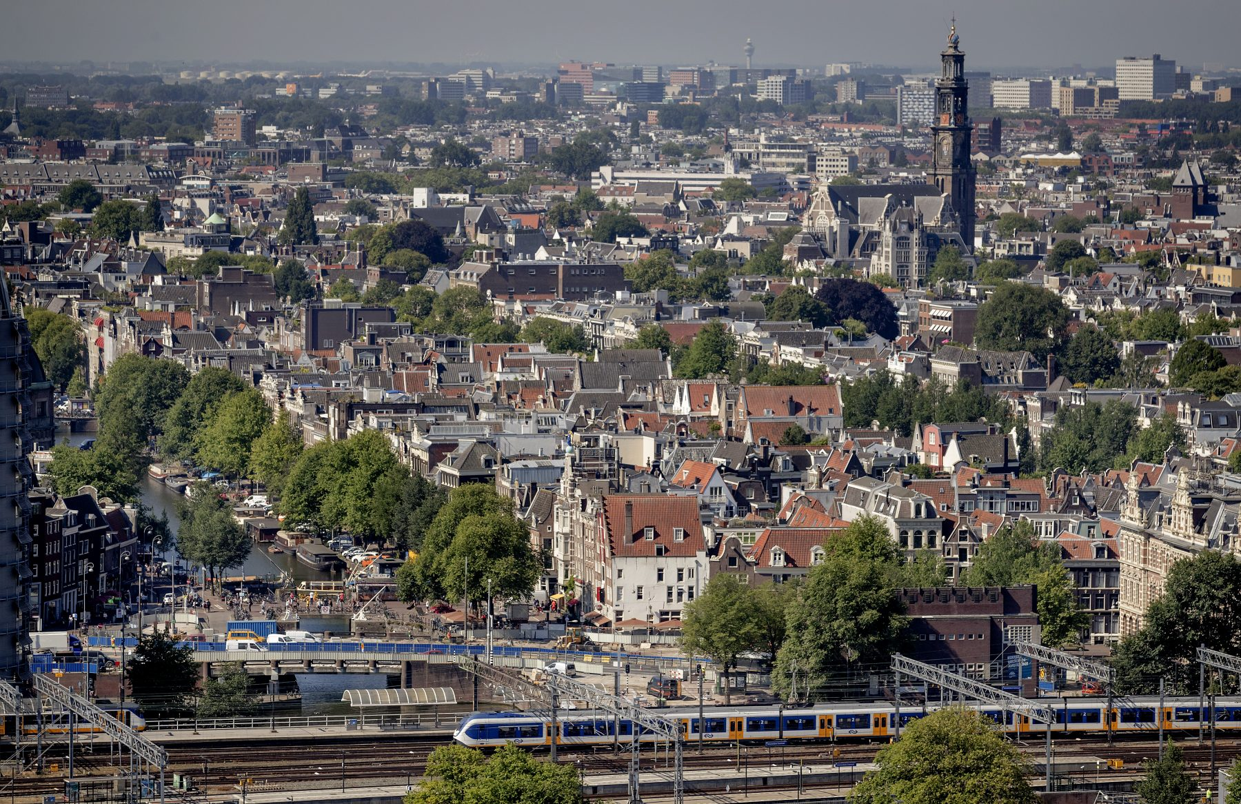 'Kabinet wil vier grote steden helpen aan half miljoen extra woningen'