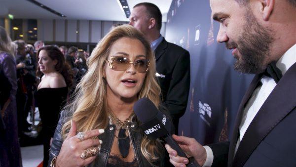 Janice loopt Anastacia tegen het lijf bij de Musical Awards (en is daar nogal ondersteboven van)