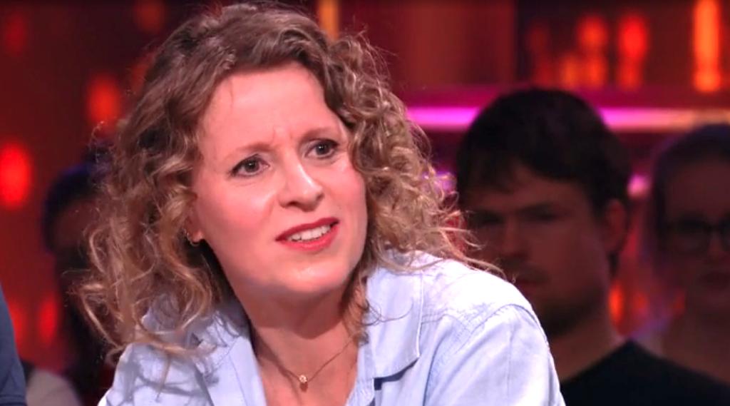 Laura werd gepest op haar werk: 'Ze zeiden dat mijn kinderen niet van mijn man waren'