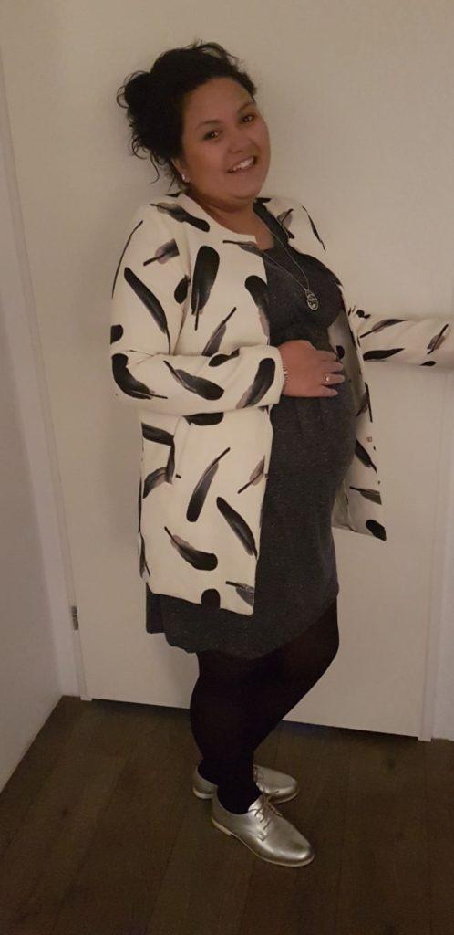 Abbey tijdens zwangerschap - Abbey zat op haar 23e in de overgang, maar raakte toch zwanger met eicellen van haar vriendin