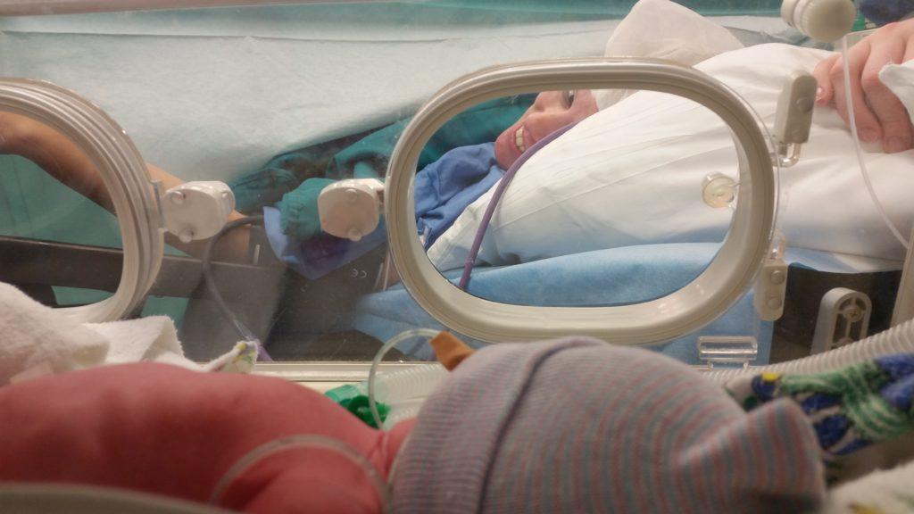 Heaven Leigh na bevalling - Heaven Leigh was zwanger van een eeneiige drieling