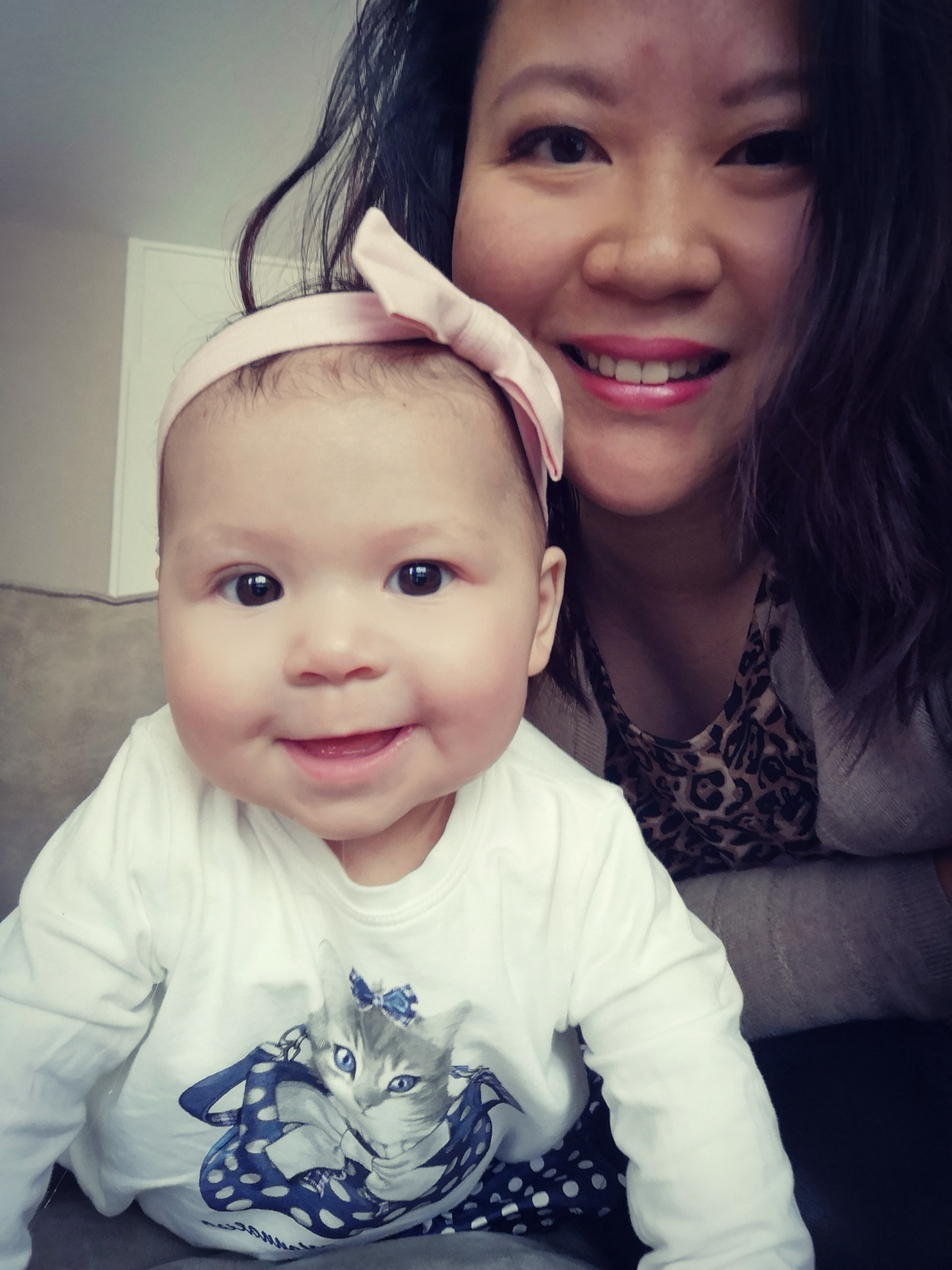 Kyana en Muriel - Muriël werd geadopteerd uit China en heeft nu zelf een dochter