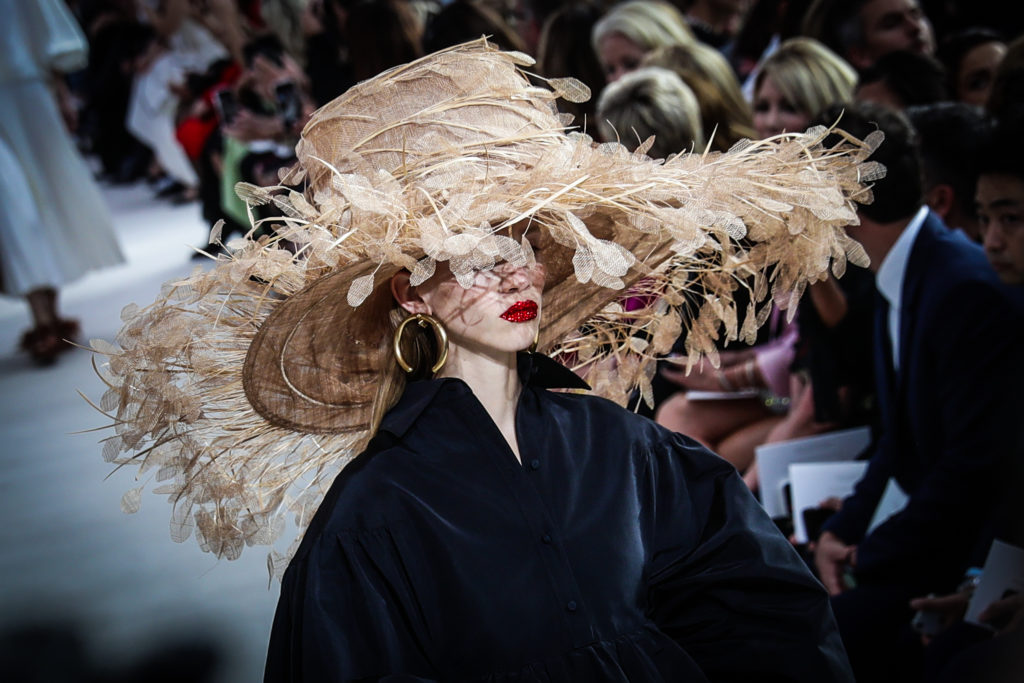 Color Alternative Views - Paris Fashion Week Womenswear Spring/Summer 2019