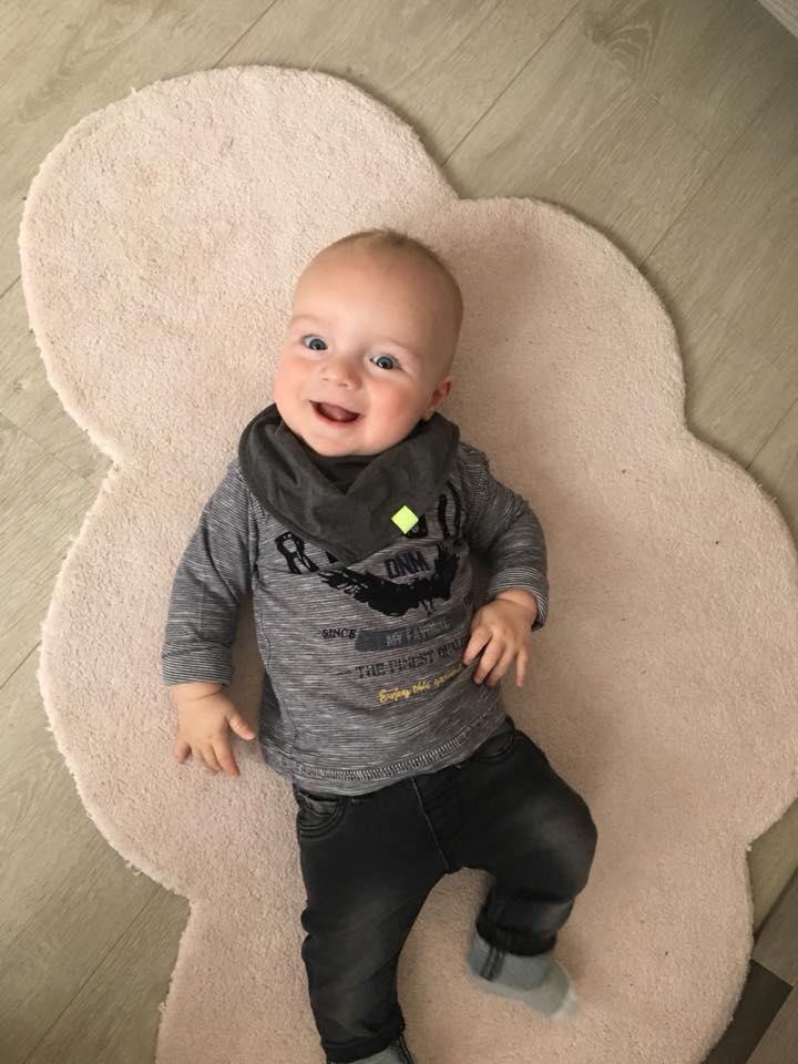 Finn nu - Chrissy was een dag na haar bevalling getuige op de bruiloft van haar zus