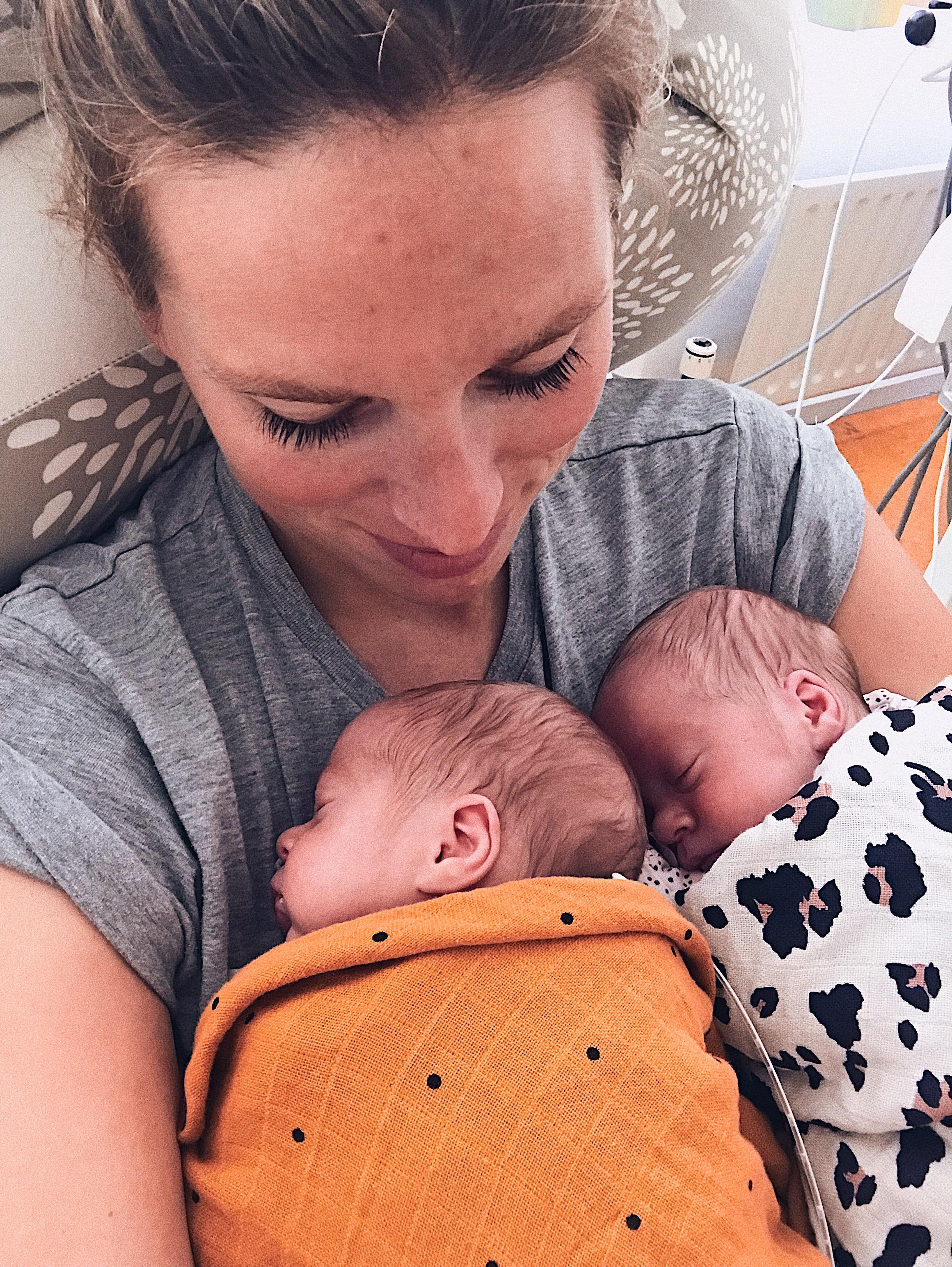 Eerste week thuis Megan en tweeling