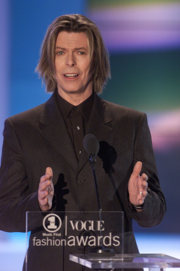 David Bowie at the 2000 VH1 Vogue Fashion Awards. October 21, 2000 (Photo: Scott Gries/Getty Images)