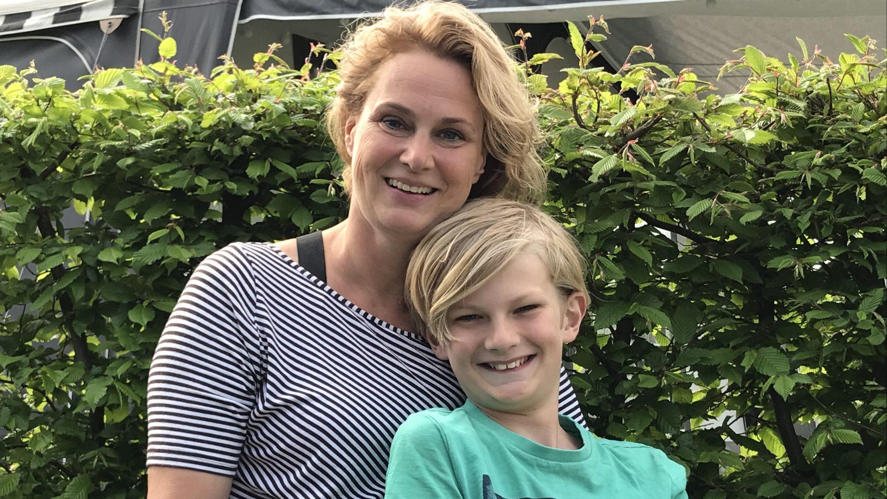 Moeder Inge en zoontje Niek met angststoornis angststoornissen