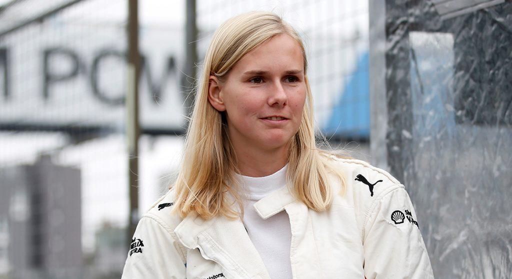 Verhalen van de week Beitske Visser is een van de weinige vrouwelijke autocoureurs