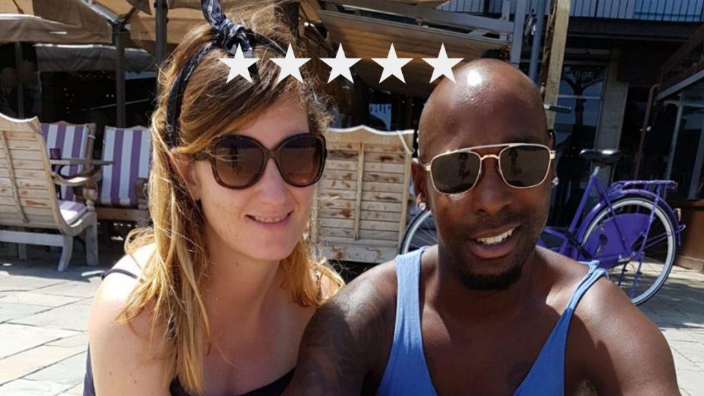 Renée beviel op vakantie in Spanje van haar doodgeboren tweeling