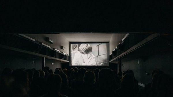 Bioscoop op een boot in Praag