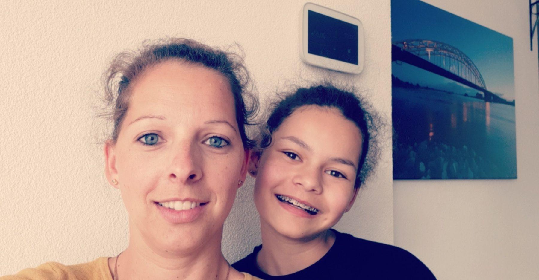 Nicolet is pleegmoeder van haar nichtje Djenley