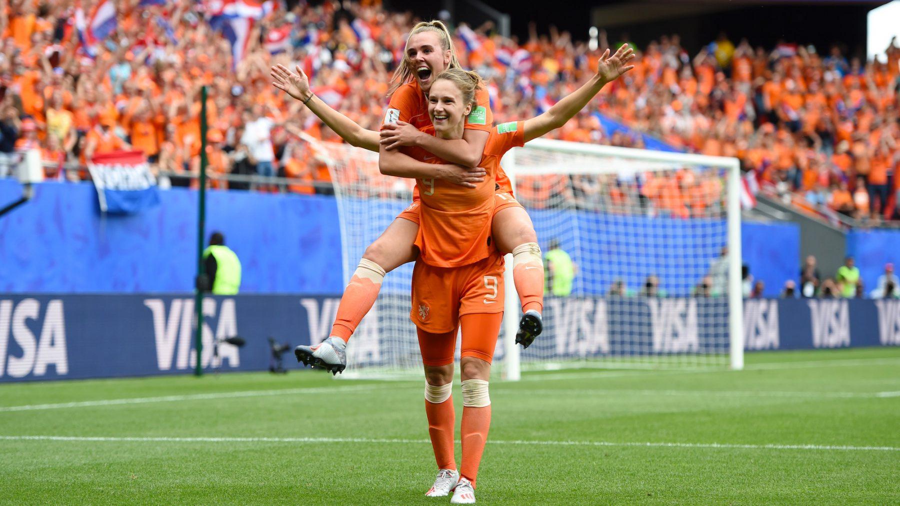Nederland wint van Kameroen