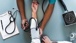 Thumbnail voor Kwart volwassenen hecht evenveel waarde aan alternatieve zorg als aan reguliere zorg