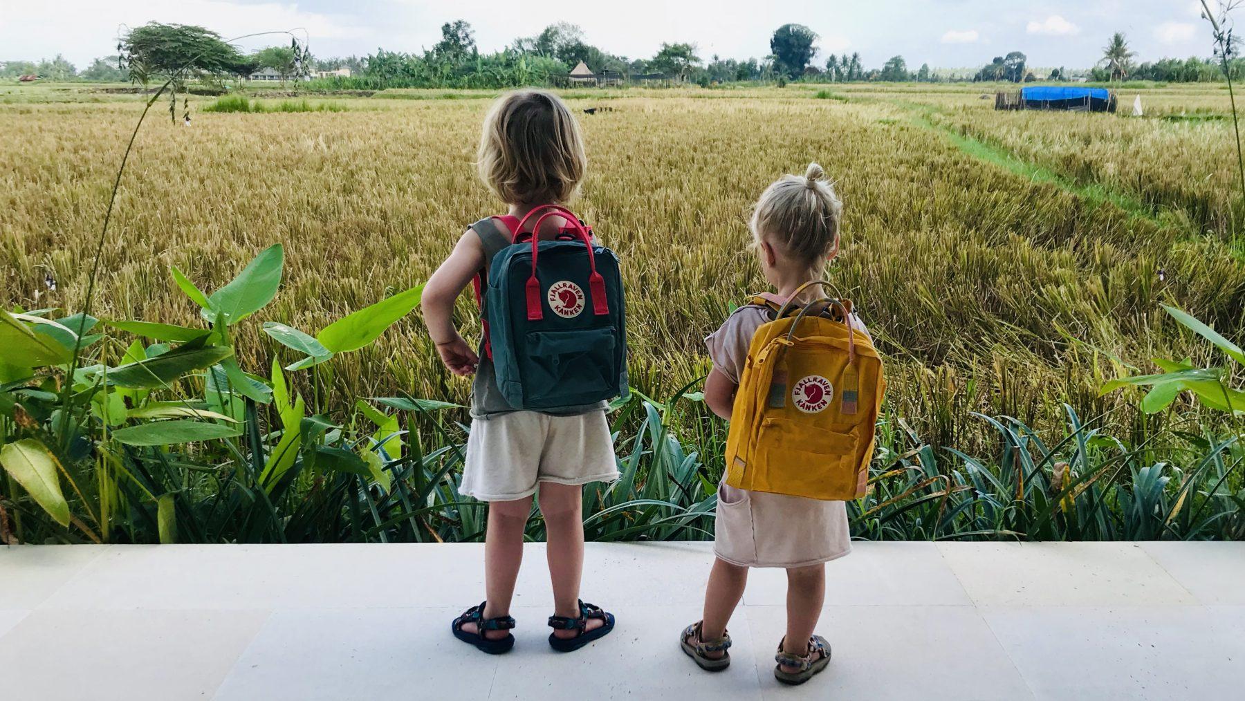 nikki en sil zijn met hun kinderen op wereldreis