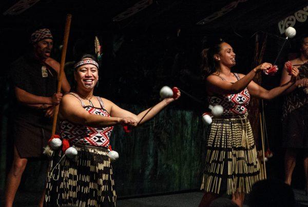 Tamaki Maori Village foter