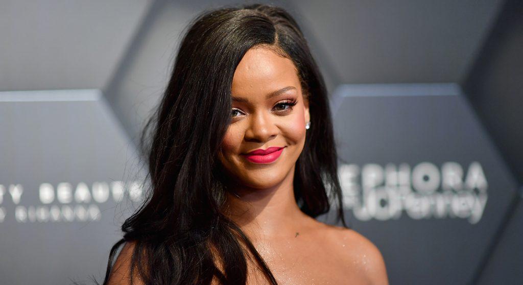 Rihanna post foto van haar dubbelganger (en schrikt van gelijkenis)