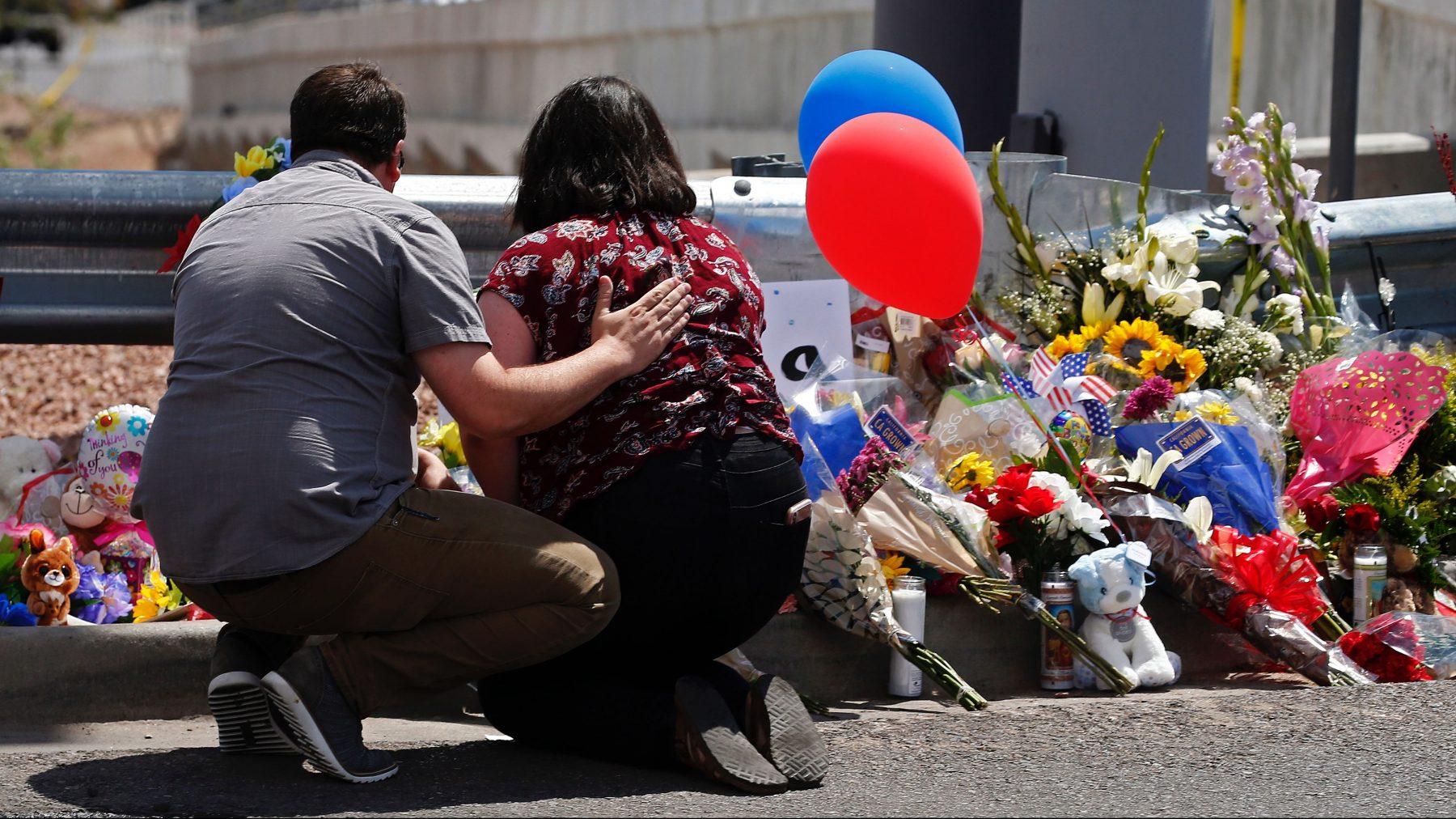 moeder-sterft-texas-schietpartij-afschermen-baby