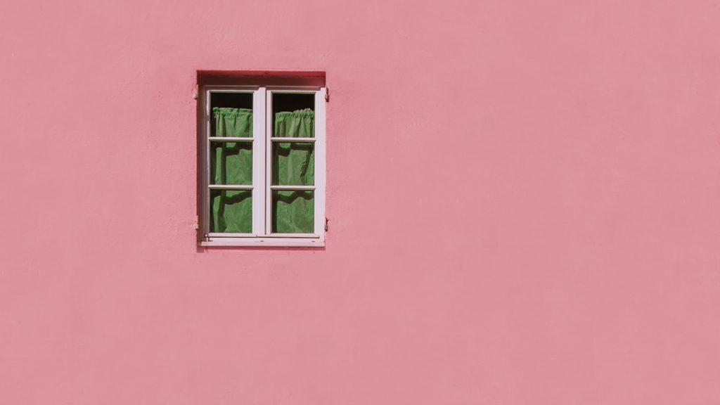 Roze huis gevolg van burenruzie
