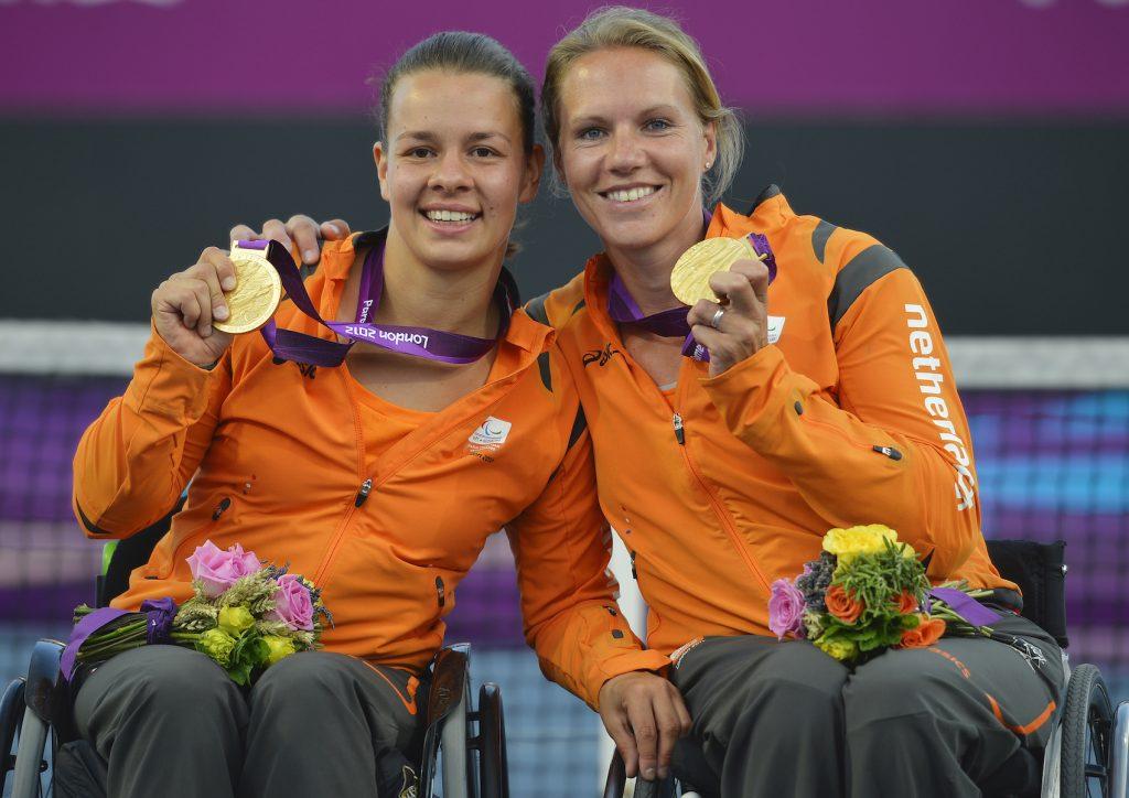Marjolein Buis en Esther Vergeer met goud in 2012
