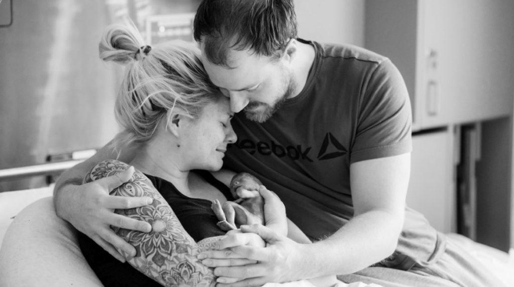 Carina over reacties op foto overleden kindje: 'Alsof mijn kind werd gepest'
