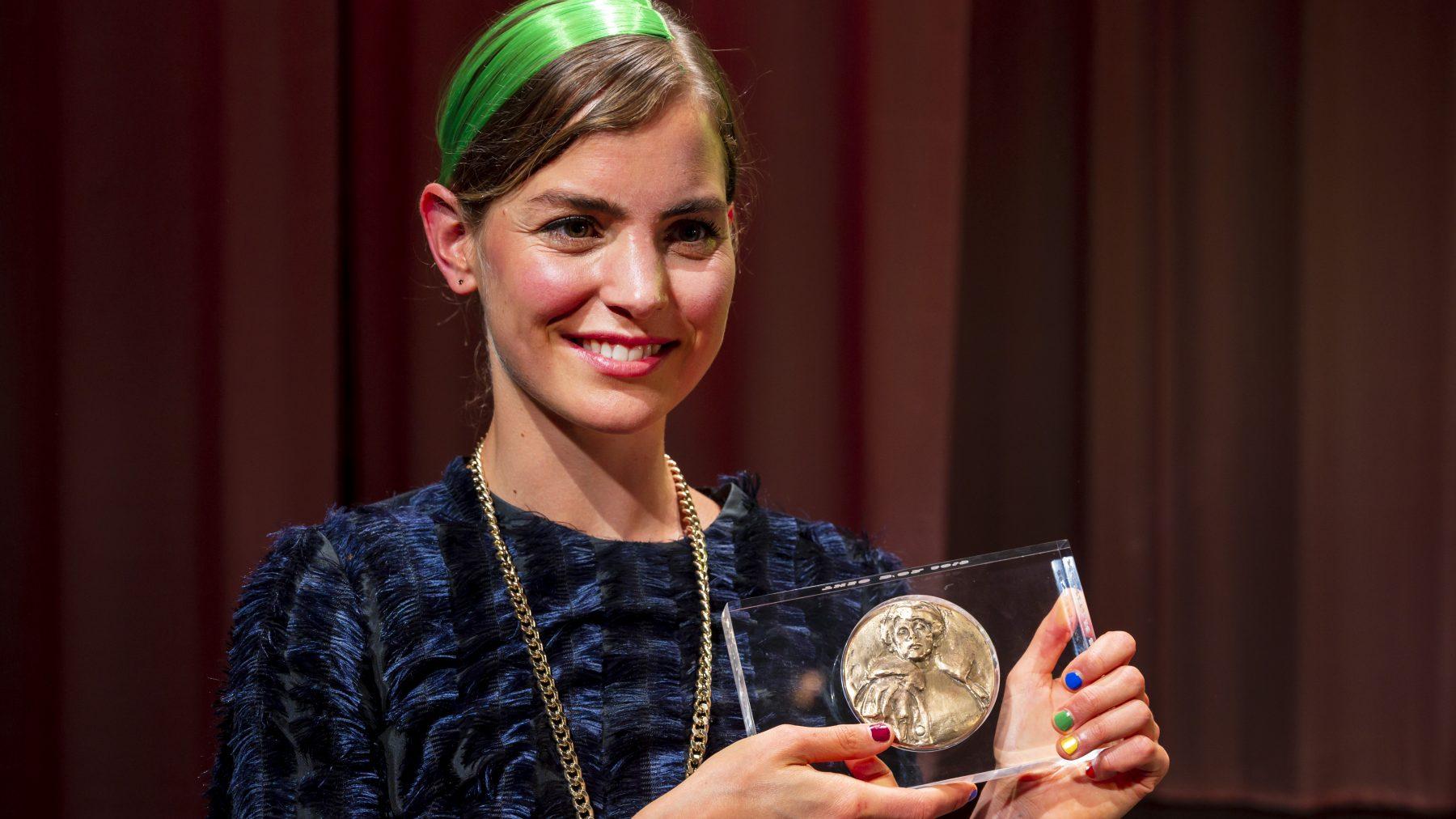 Belangrijkste Nederlandse toneelprijzen naar Ramsey Nasr en Hannah Hoekstra