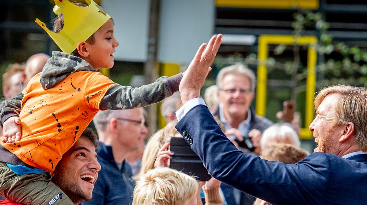 Koninklijk paar bezoekt Zuidwest-Drenthe high five