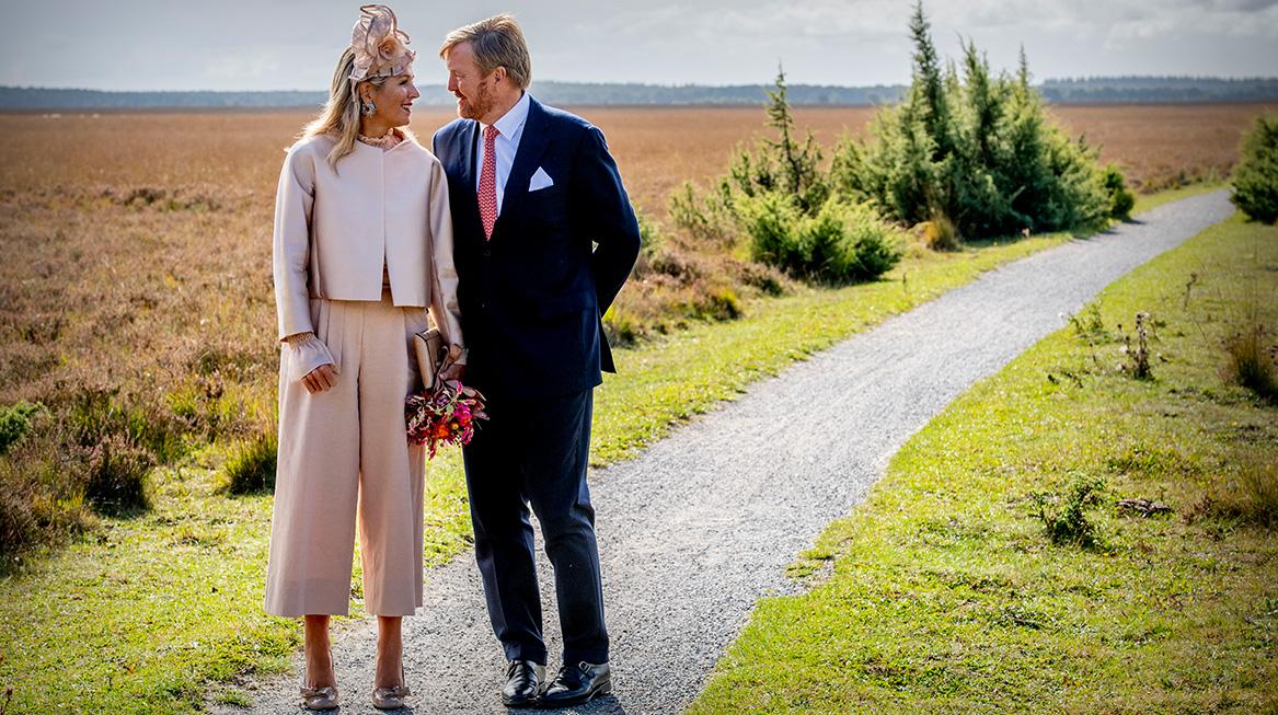 Koninklijk paar bezoekt Zuidwest-Drenthe romantische blik