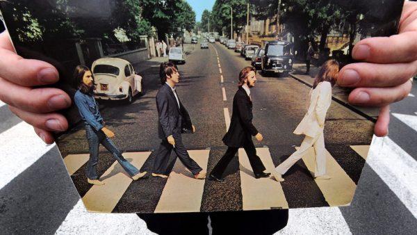 Abbey Road Live Webcam - London, UK - World Cams | 338x600