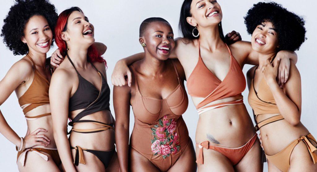 Vrouwen protesteren 'naakt' Victoria Secret