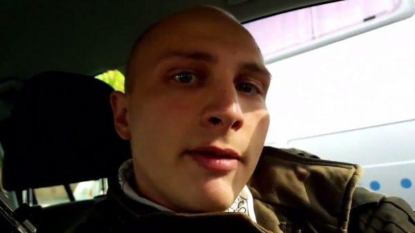 Stephan B. op de video net voor de schietpartij.