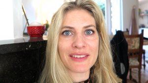 Jytte heeft eerste consult voor huidverbeteringsbehandeling