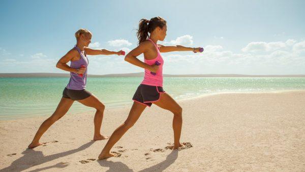 Niks vakantiekilo's: zo kom je uitgerust én fit terug van vakantie