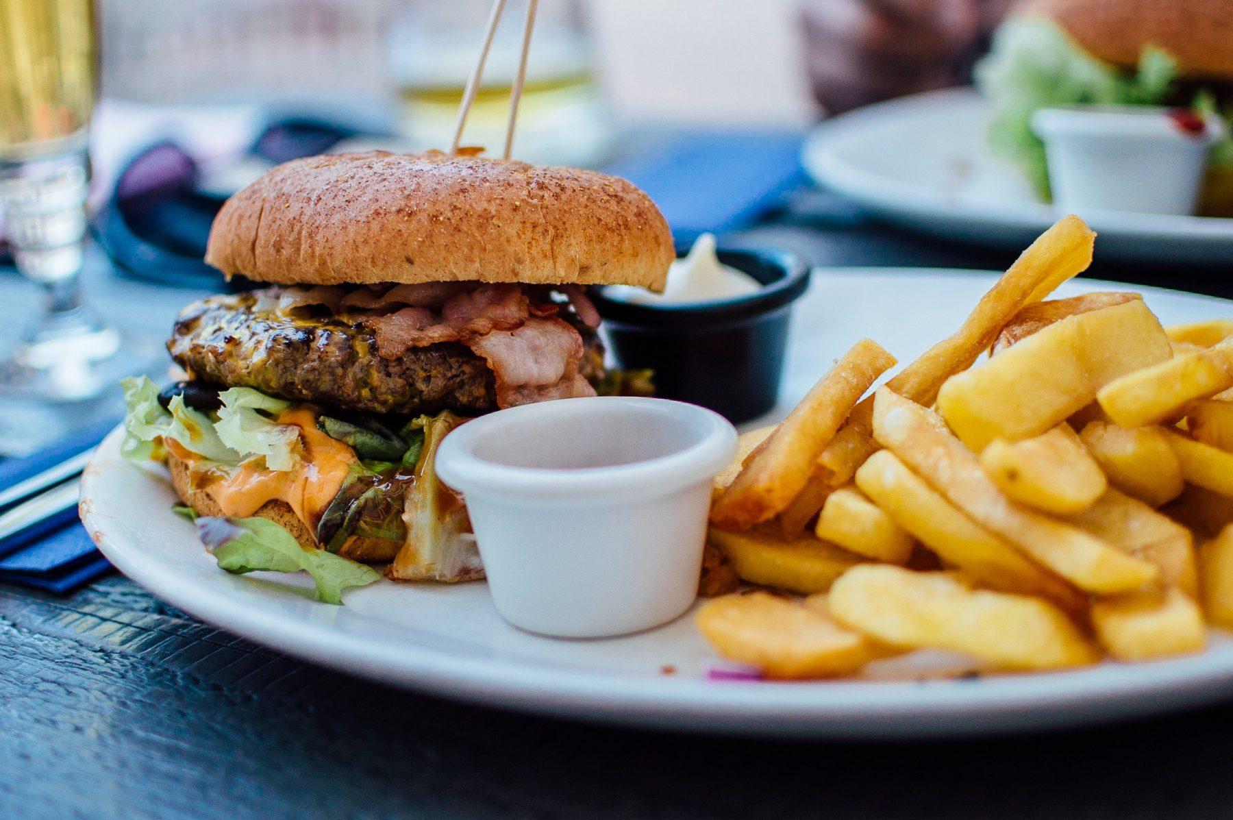 fastfoodketens beperkt door Rotterdam