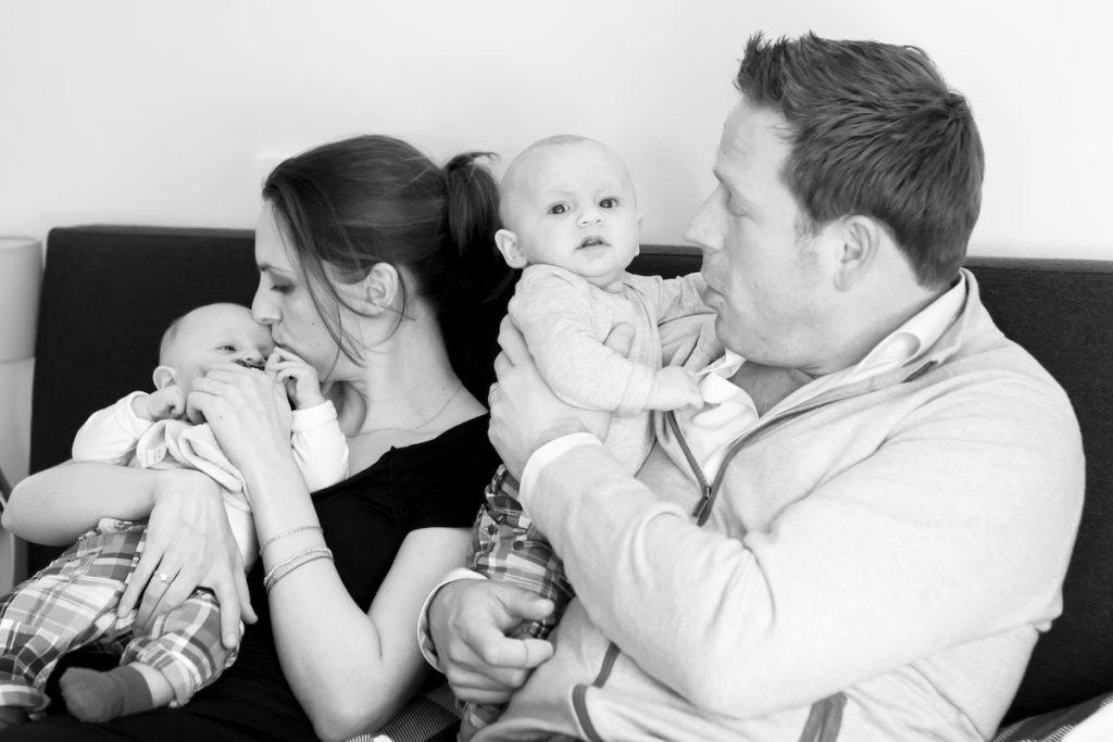 Judith Tijn Mick en Guido na bevalling tijdensj jaarwisseling