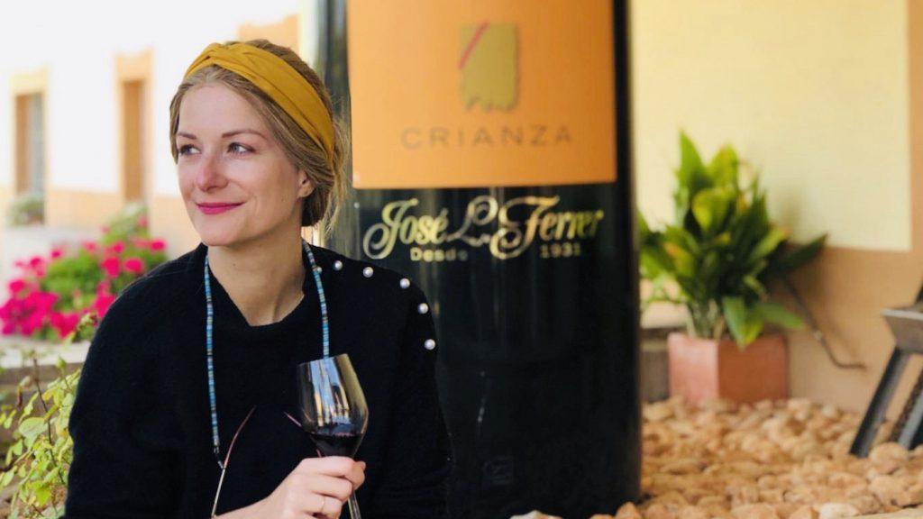 anke ontdekte kanker door LINDA borstkanker Anke met glas wijn-2