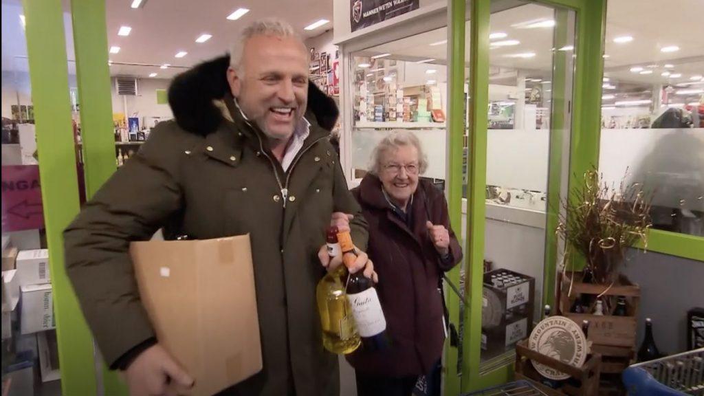 Lenie (101) slaat drankvoorraad in: 'Als het niet opgaat drinken ze het maar op m'n begrafenis'