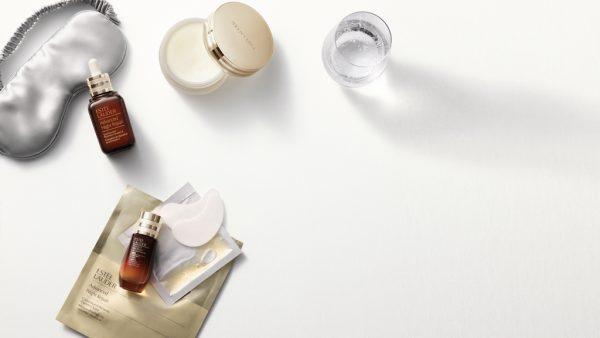 Hydrateren, hydrateren, hydrateren: zo verzorg je je huid tijdens een vlucht