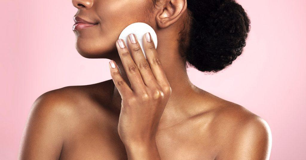 Met deze tips over huidverzorging straalt jouw huid na een lange werkdag verzorgingstips