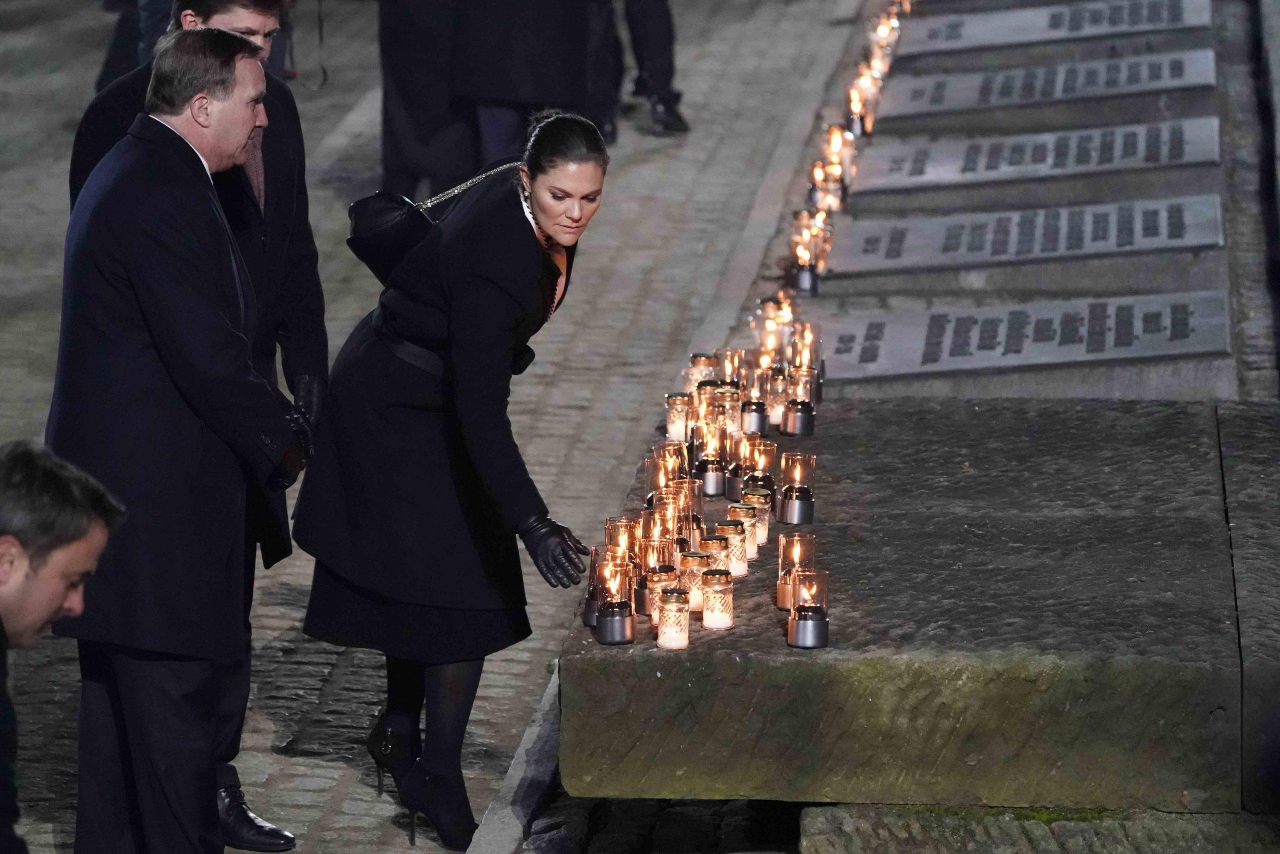 Kroonprinses-en-minister-president-van-Zweden-aanwezig-in-Polen-Auschwitz-herdenking
