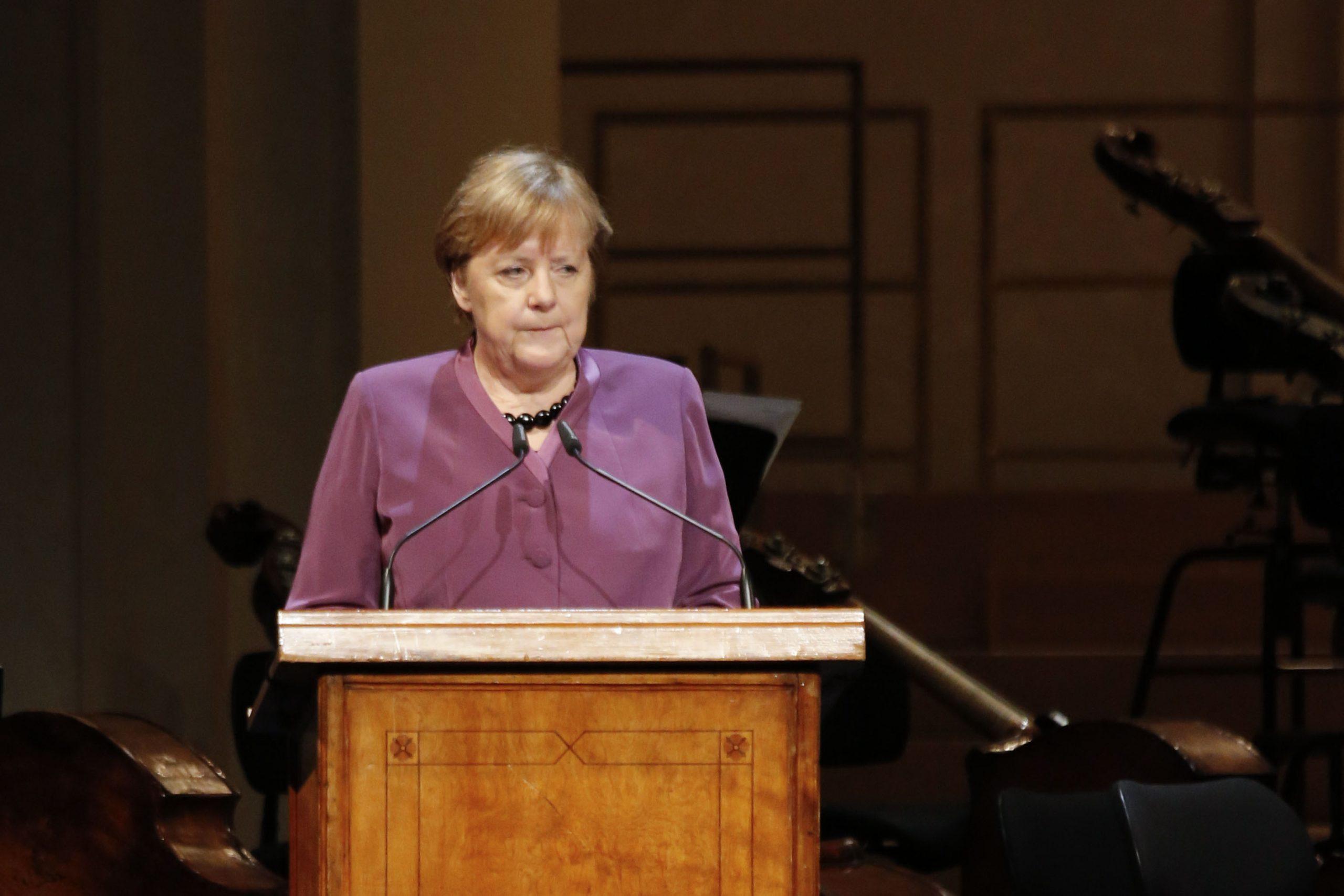Duitse-bondskanselier-Angela-Merkel-spreekt-tijdens-herdenking-Auschwitz-in-Berlijn