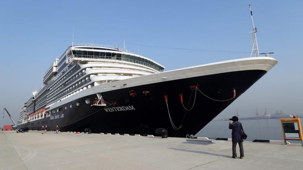Passagiers Nederlands cruiseschip mogen niet van boord in Thailand