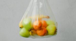 plastic zak groenteafdeling