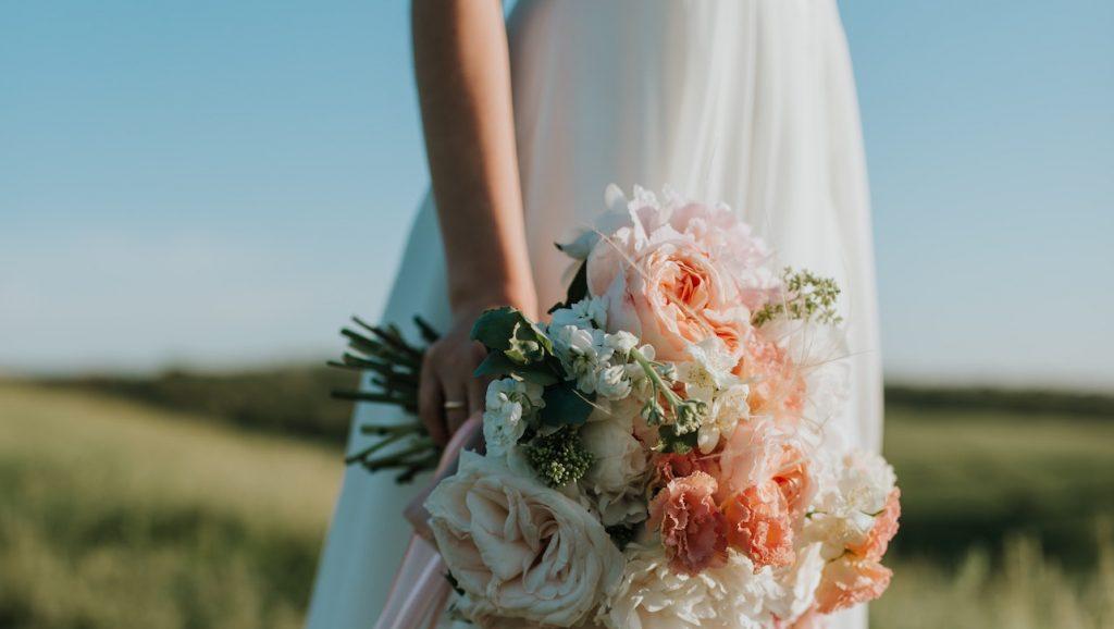 Bruid, u mag uw bruid kussen: eerste homohuwelijk ooit in Noord-Ierland