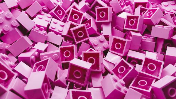 Bouwers klaar bouwen maar op deze datum gaat Legoland Scheveningen open