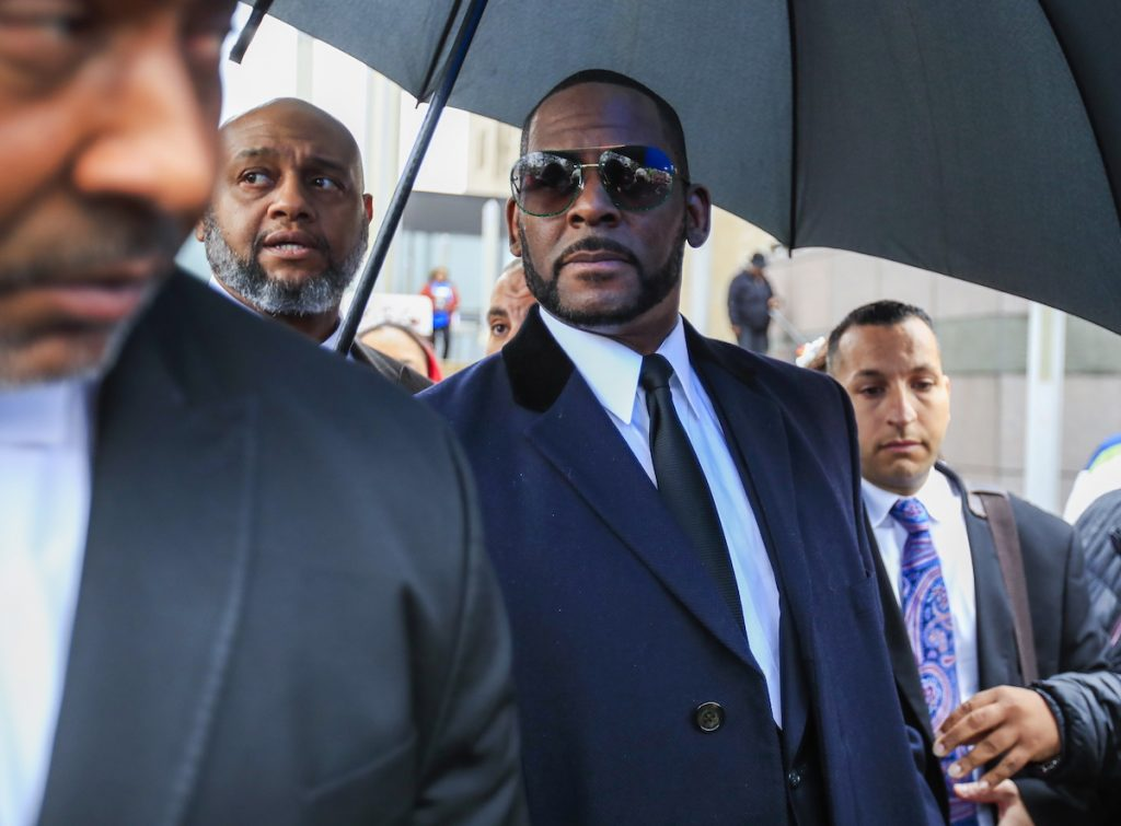 R. Kelly opnieuw aangeklaagd voor seksueel misbruik van minderjarige