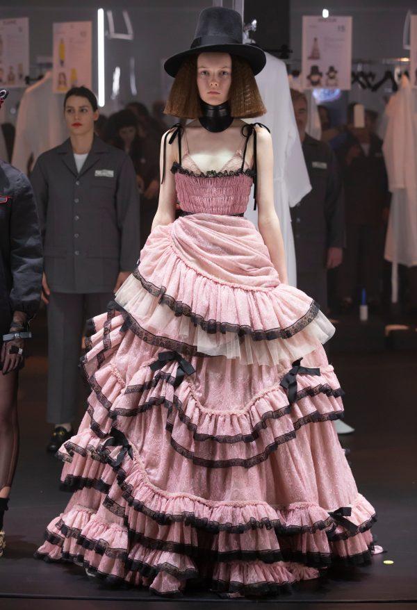 De show draait door: Gucci presenteert collectie in een carrousel