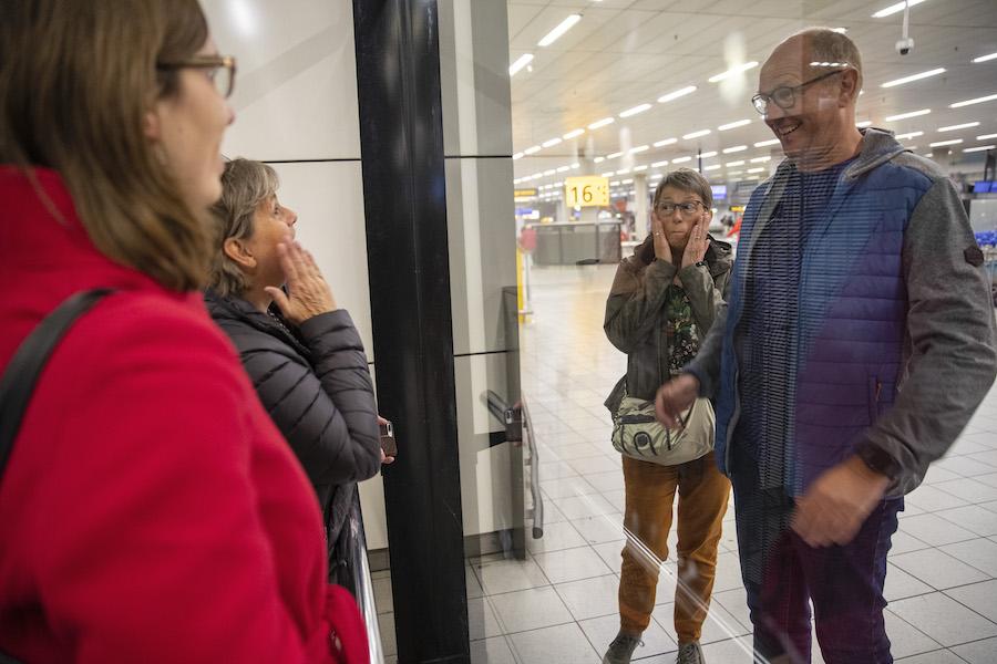 Nederlandse passagiers Westerdam op Schiphol