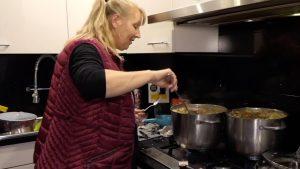 Silvia kookt voor groot gezin in Wat schaft de pot?